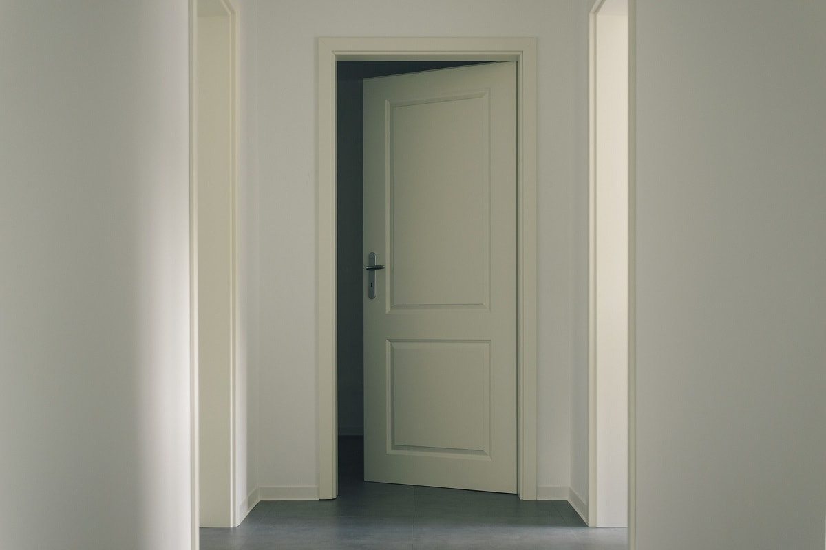 Встановлення дверей