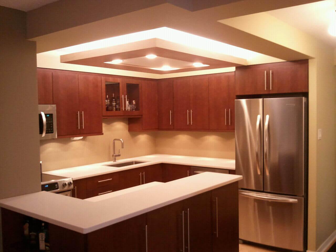 дизайн стелі з гіпсокартону в кухні