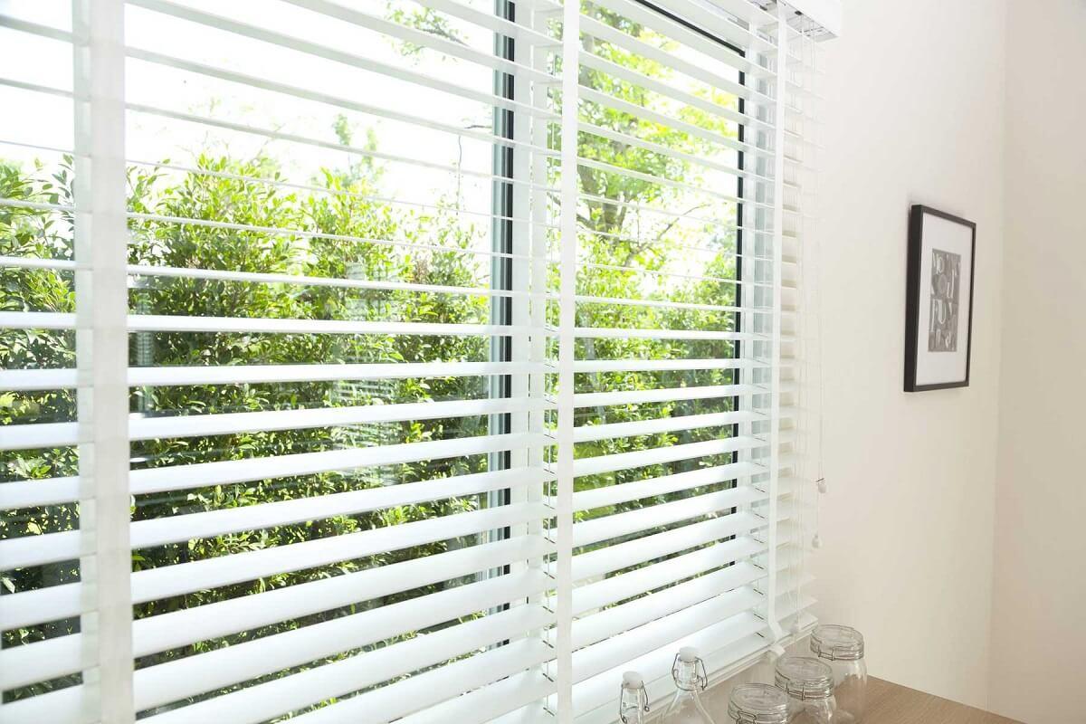 Як правильно встановити жалюзі на вікно
